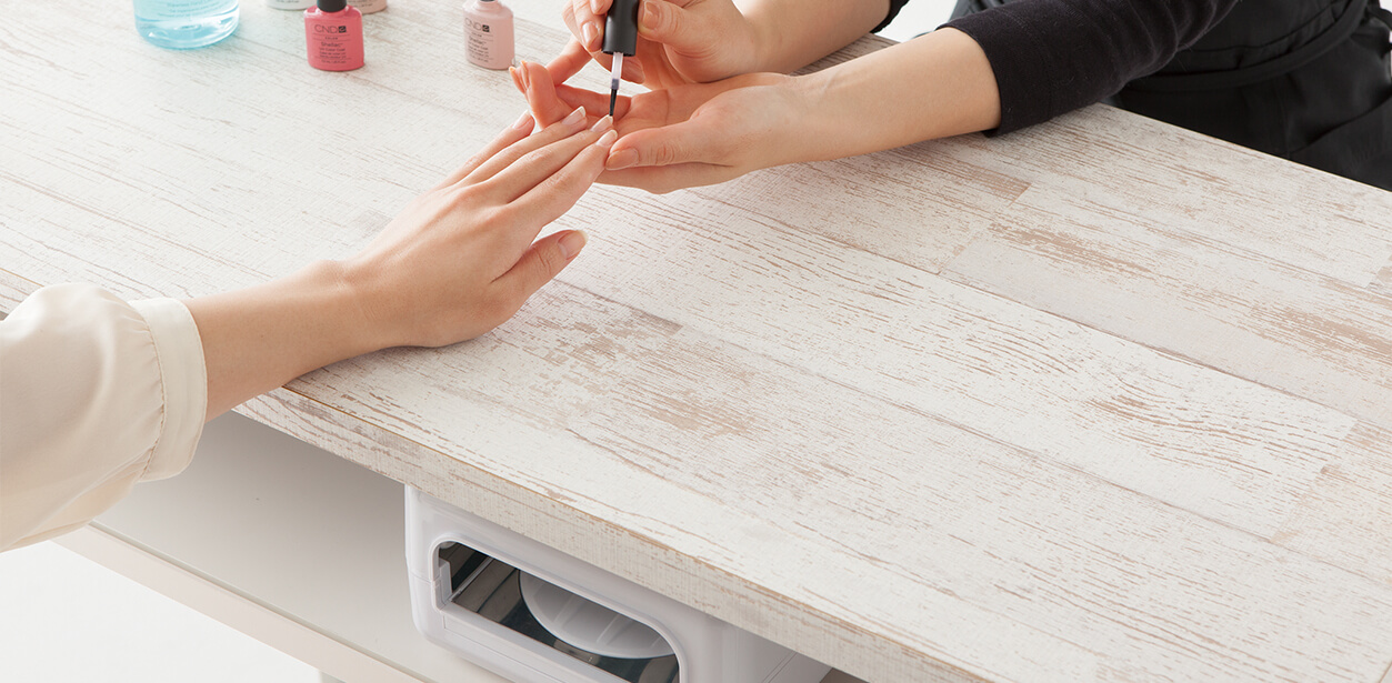 cherie (nail table)